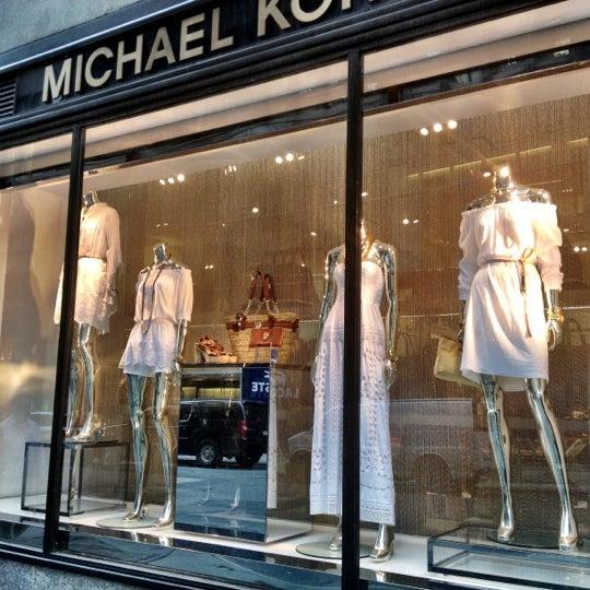 Michael kors women 39 s store in new york for Michael kors rockefeller center