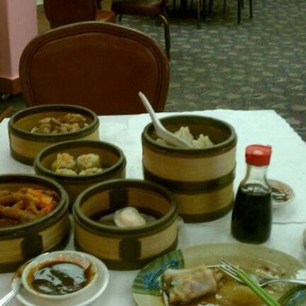 Photo taken at Canton Dim Sum & Seafood Restaurant by H J. on 8/25/2011
