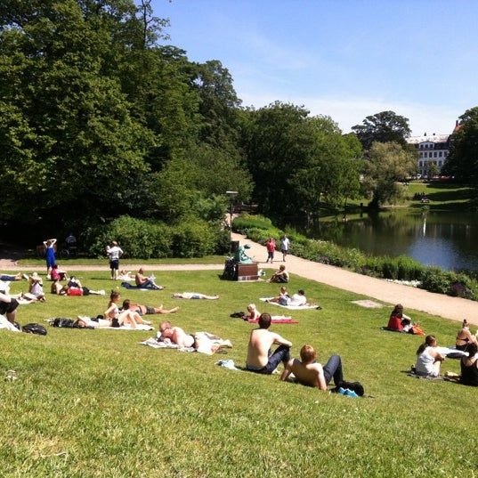 Where's Good? Holiday and vacation recommendations for Copenhagen, Denmark. What's good to see, when's good to go and how's best to get there.