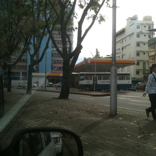 Photo taken at Shell station by Jeffyeo V. on 1/20/2011