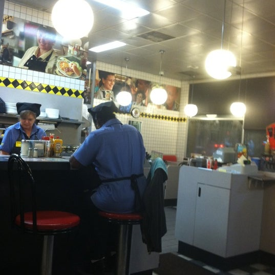 Photo taken at Waffle House by Shaun F. on 9/23/2011
