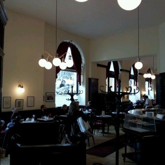 Photo taken at Cafe-Restaurant Griensteidl by Eduardo E. on 6/5/2012