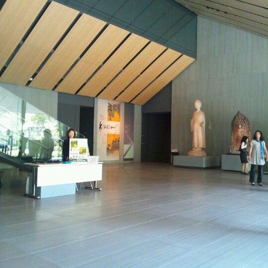 Photo taken at Nezu Museum by Sampei N. on 4/29/2012