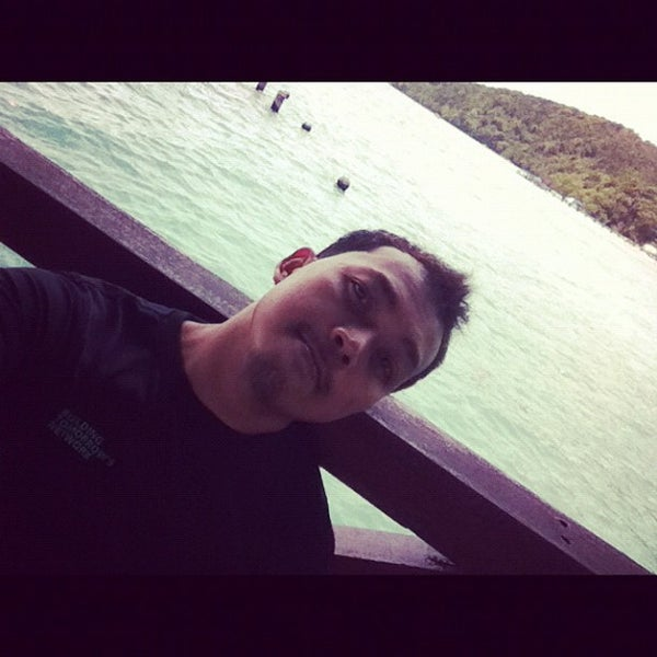 Photo taken at Manukan Island Jetty by Ahmad Zarl on 3/30/2012