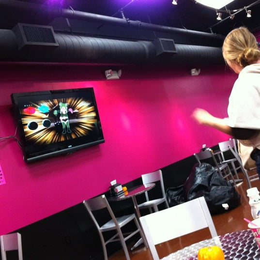 Photo taken at Yogurt Extreme by Seen E. on 11/9/2011