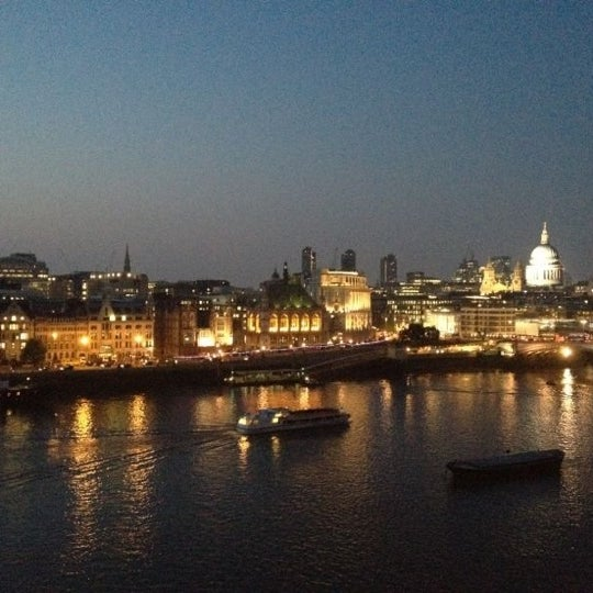 Photo taken at OXO Tower Brasserie by Lisa on 5/22/2012