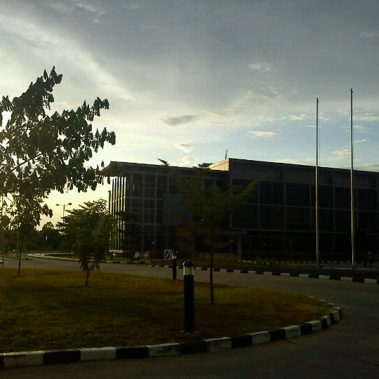 Photo taken at Sekolah Tinggi Akuntansi Negara (STAN) by wahyu z. on 3/28/2012