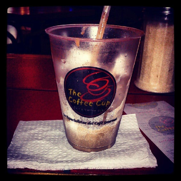 Photo taken at The Coffee Cup by Gerson Osuel M. on 6/22/2012