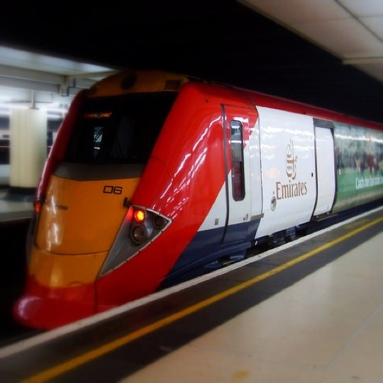 The train is normally the fastest and cheapest way to get to Bath from Gatwick Airport. By train, the journey from Gatwick Airport to Bath takes between 2 ½ - 3 hours, and trains run hourly.