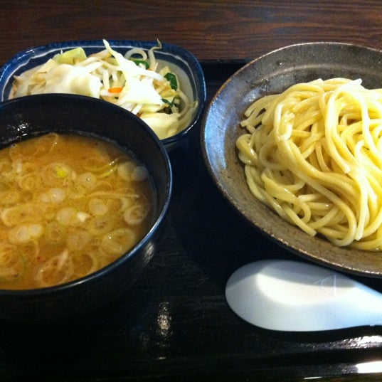 Photo taken at 三ツ矢堂製麺 下北沢店 by Kei N. on 6/16/2012