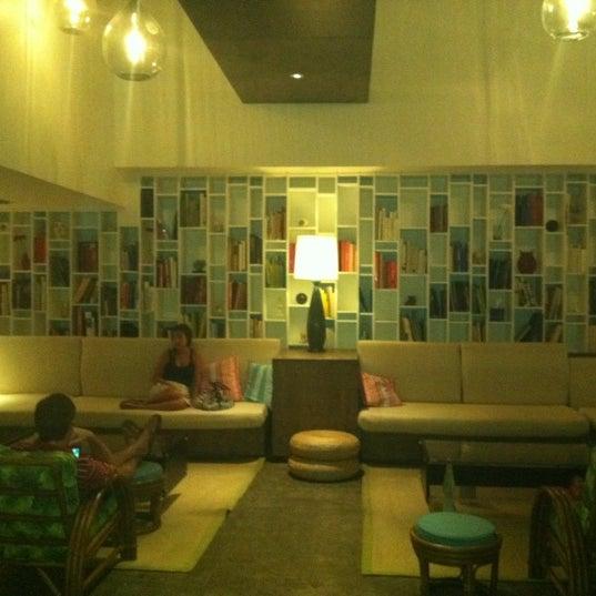 Photo taken at Postcard Inn by Kristi L. on 7/3/2011