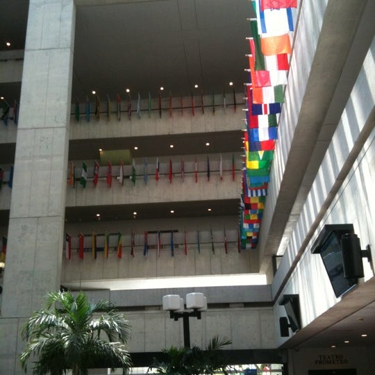 Photo taken at Miami Dade College Wolfson Campus by Faby! D. on 4/9/2012