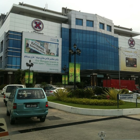Photo taken at Hua Ho Mall Manggis by Nor'asrina K. on 8/29/2011
