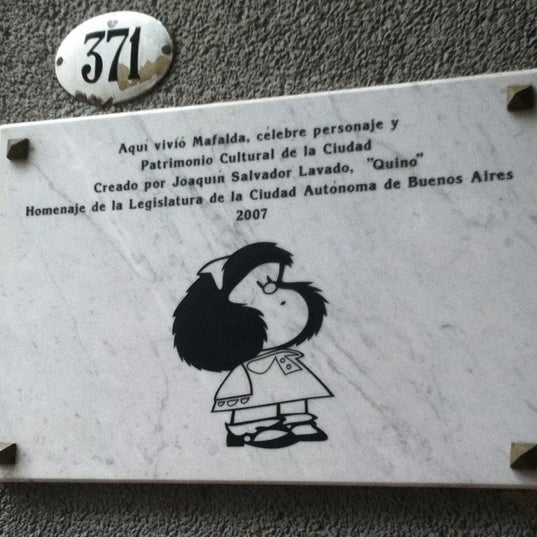 Photo taken at Las cosas como son by Veruska A. on 2/19/2012