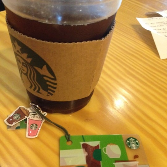 Photo taken at Starbucks by s.y p. on 5/18/2012