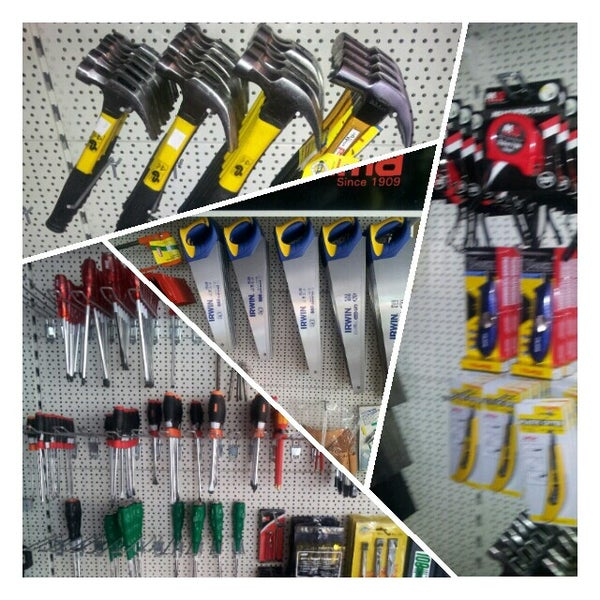 Photo taken at Sonee Hardware Professional by Hannu- H. on 6/17/2012