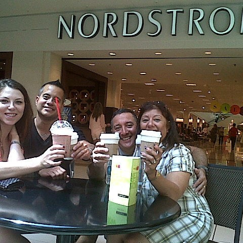 Photo taken at Nordstrom eBar by Dan A. on 8/5/2012