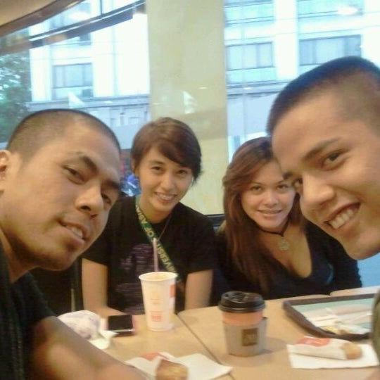 Photo taken at McDonald's by Rodz B. on 12/21/2011
