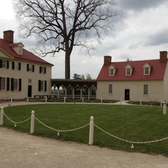 Photo taken at George Washington's Mount Vernon Estate, Museum & Gardens by Carole G. on 4/11/2012