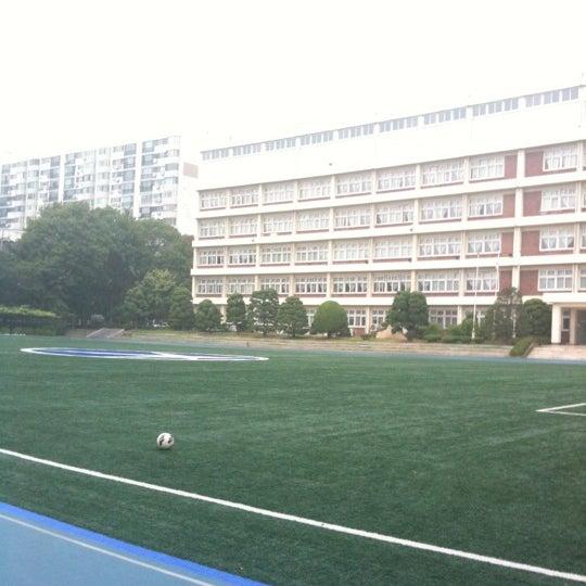 Photo taken at 현대고등학교 by Austin G. on 8/12/2012