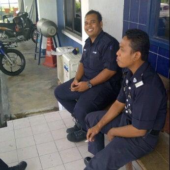 Photo taken at Balai Polis Kg Tawas by Kecik J. on 1/15/2012