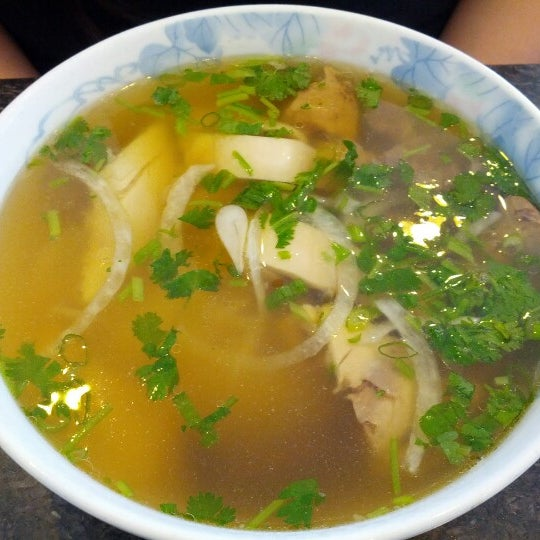 Photo taken at Pho Kim Long by Ricky W. on 6/24/2012
