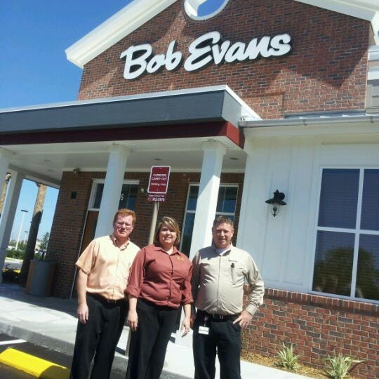 Photo taken at Bob Evans Restaurant by Alex G. on 4/27/2012