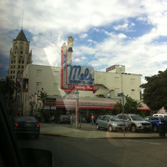 Photo taken at Mel's Drive-In by Reid S. on 8/16/2012