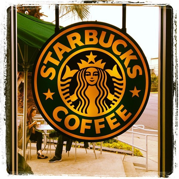 Photo taken at Starbucks by Cordaro V. on 12/1/2011