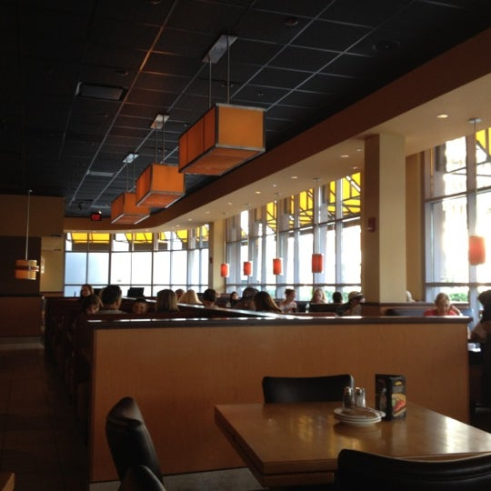 Photo taken at California Pizza Kitchen at Prudential by Mauro R. on 7/6/2012