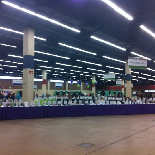 Photo taken at Amon G. Carter Jr. Exhibits Hall by Lindsey S. on 2/17/2012
