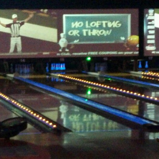 Photo taken at Bowlmor Rockville by John L. on 2/13/2012