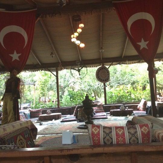 Photo taken at Yavuz'un Yeri by ✨✨✨SedeF✨✨✨ on 8/11/2012