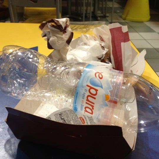Photo taken at Burger King by Erick I. on 3/24/2012