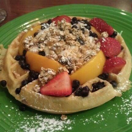 Photo taken at T's Restaurant by Annie L. on 9/24/2011