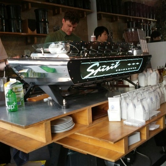 Photo taken at Bonanza Coffee Heroes by Andreas F. on 6/10/2012