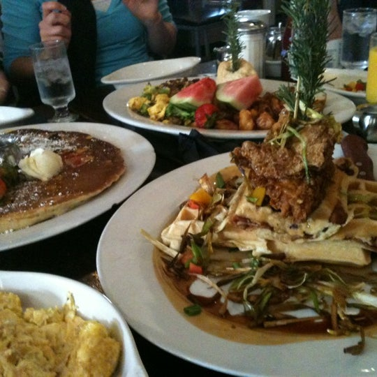 Photo taken at Hash House a Go Go by Alisha N. on 3/11/2012