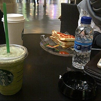 Photo taken at Starbucks by Illa A. on 2/11/2012