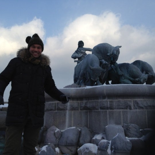 Photo taken at Gefionspringvandet (Gefion Fountain) by Christian Ø. on 2/5/2012