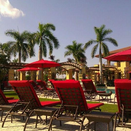 Wave Poolside Pga National Resort Spa Pga National Palm Beach Gardens Fl