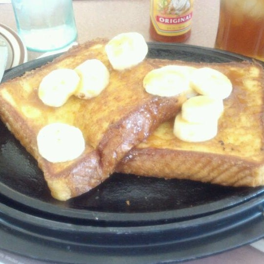 Photo taken at Denny's by Angie M. on 3/4/2012