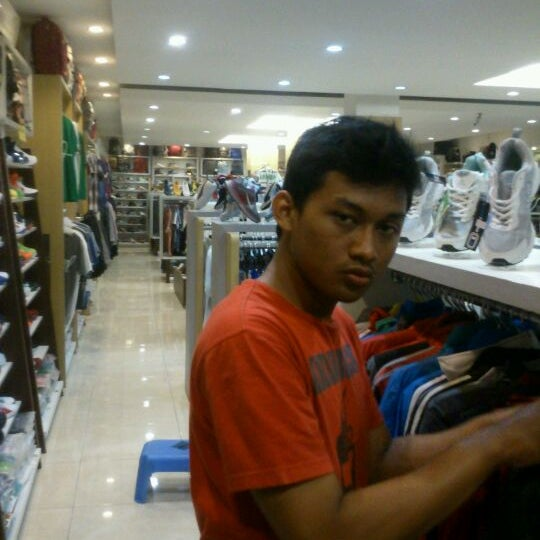 Photo taken at Outlet Biru by Imam R. on 5/31/2012