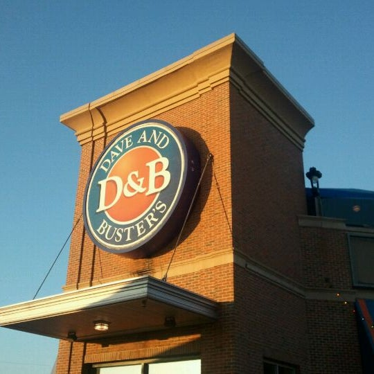 Photo taken at Dave & Buster's by Viktoria F. on 8/21/2011