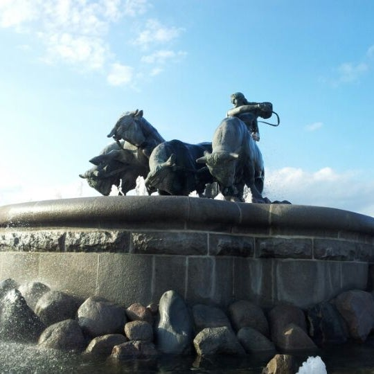 Photo taken at Gefionspringvandet (Gefion Fountain) by Jan Friborg J. on 4/27/2012