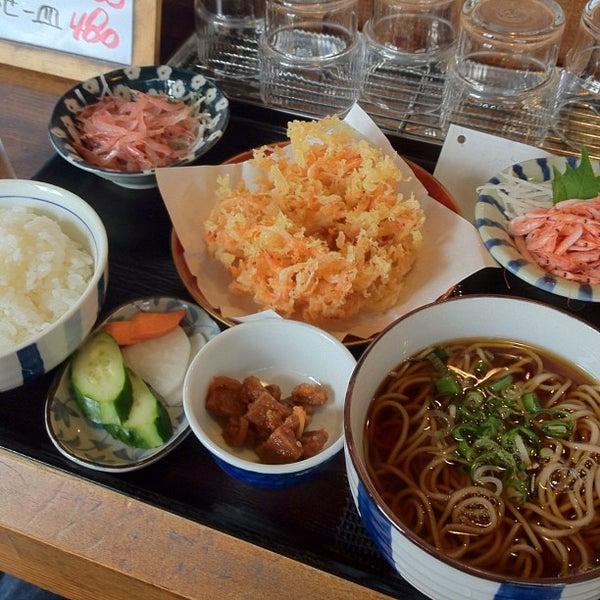Photo taken at 食堂さくら屋 by Kosuke K. on 6/28/2012