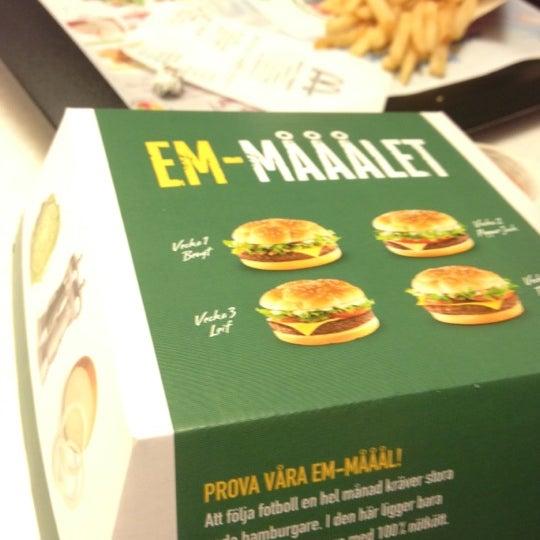 Photo taken at McDonald's by Elbert C. on 6/23/2012