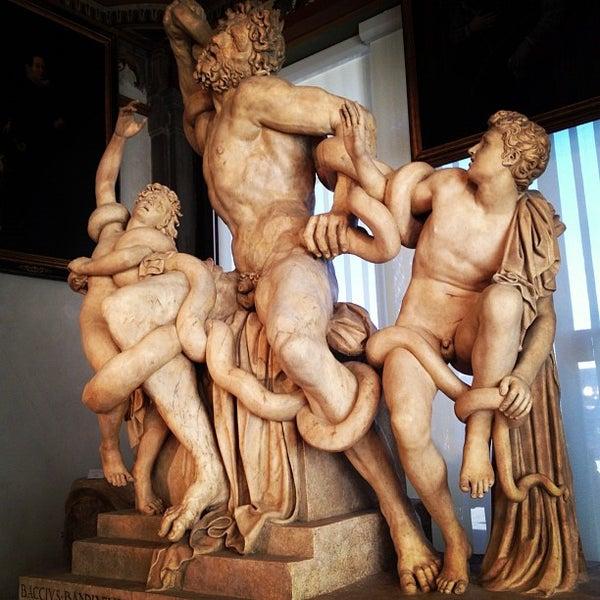 Photo taken at Galleria degli Uffizi by Felix M. on 9/2/2012