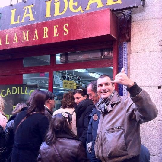 Photo taken at Bar La Ideal by Ángel R. on 12/17/2011