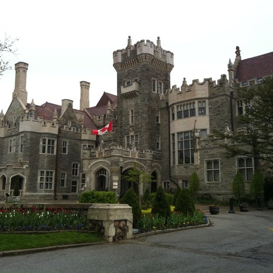 Photo taken at Casa Loma by Arthur N. on 5/15/2011