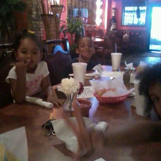 Photo taken at Mamacitas Mexican Restaurant by Tamika F. on 6/18/2012